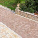 Pavimenti per esterni: quali scegliere per una villa o un giardino